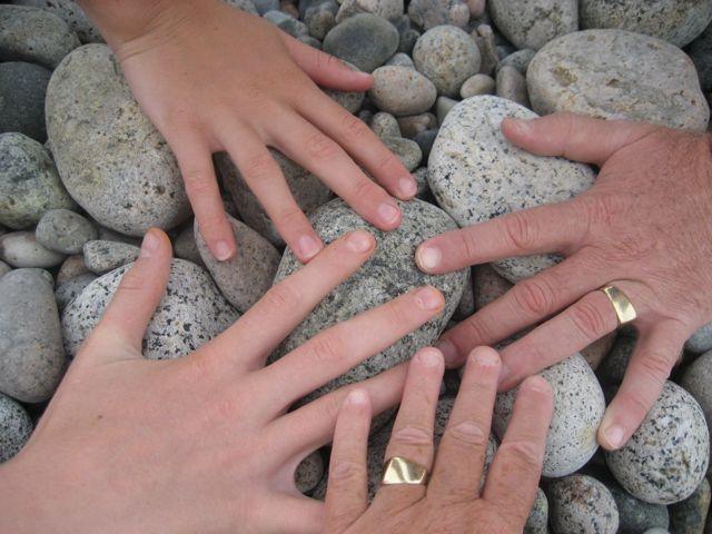 Clan hands 2010