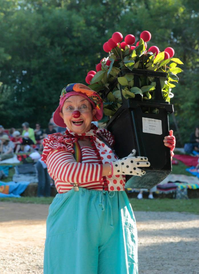 Josette with bouquet of Red Noses